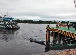 26 Terminal-Puerto-Aguirre-Bolivia-Paraguay-Parana_LRZIMA20130604_0011_11