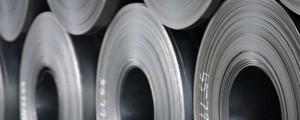 Vale dijo que se esperaba que la oferta de la materia prima acerera creciera más rápidamente que la demanda