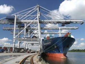 barco transporte hierro